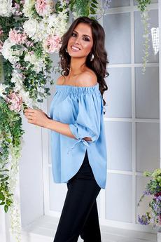 Блузка из тонкой джинсы с открытыми плечами Angela Ricci со скидкой
